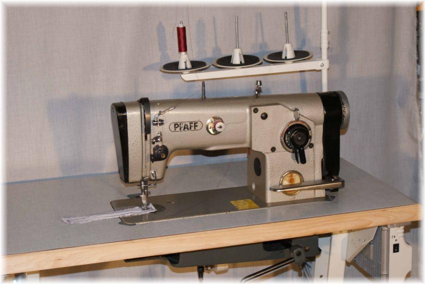 Zick Zack Industrieähmaschine  Pfaff  Kl 438  gebraucht